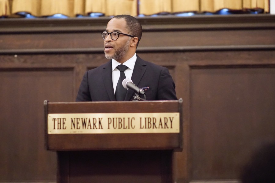 Jonathan+Capehart+%2785+speaks+to+the+audience+of+students%2C++community+members%2C+and+patrons+assembled+at+the+Newark+Public+Library+on+Saturday%2C+Feb.+6.+