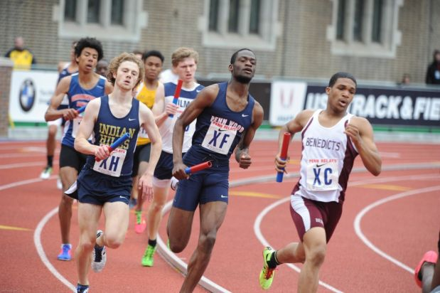 UDII Byron Simmons leading the competition at Penn Relays. He handed the baton off in third running 1 minutes and 58 seconds.